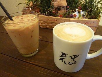 <UNICORN>の特徴は「エスプレッソ」。特に紅茶のエスプレッソは、全国的にもめずらしく、神戸に来たら一度は飲んでおきたいですね。おすすめは、香りが選べる「フレーバーティーラテ」。まろやかな味わいで飲みやすく、紅茶の味と香りもしっかり楽しめる1杯です。