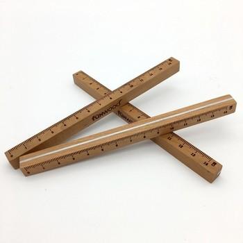 資料やノートを美しくまとめるためには欠かせない定規。長さを測るというよりは、線を引くために使用することの方が多いでしょう。デスクで使用するのであれば、立体的なデザインもおすすめ。経年変化を楽しめる木製定規は、長い間仕事の相棒として活躍してくれるでしょう。