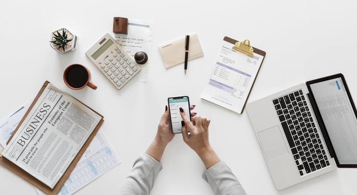 デスク周りにある文具は、どれもよく使うものばかりです。自分の好きなもの、こだわって選んだものに囲まれて仕事をすることで、やる気も効率もアップし、楽しく仕事ができるかもしれません。