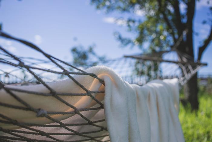 洗顔後はふんわりタオルで優しくあなたの顔を包み込んであげましょう。ふんわりとした心地よさは、あなたの心にほんの少しのゆとりを与えてくれます。
