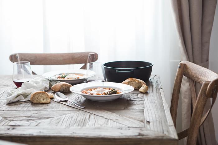 主食はご飯のほか、パンや麺類もありますね。その場合でも考え方は変わりません。「パスタ・スープ・サラダ」「ホットサンド・ポタージュ・野菜グリル」のように【主食・汁物・漬物(野菜)】が基本です。