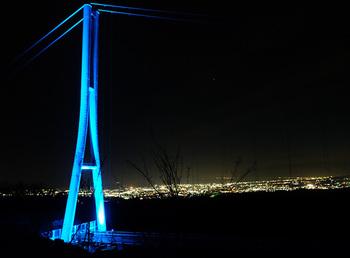 通常17時までの営業となっている三島スカイウォークで、ゴールデンウイークや夏、秋に限定で楽しめる「ナイトスカイウォーク」が開催となります。ライトアップされた吊り橋と、三島の夜景はとってもロマンティック。大切な人と出かけたくなりますね。  (※次回の開催時期は、公式HPやSNSよりご確認ください。)