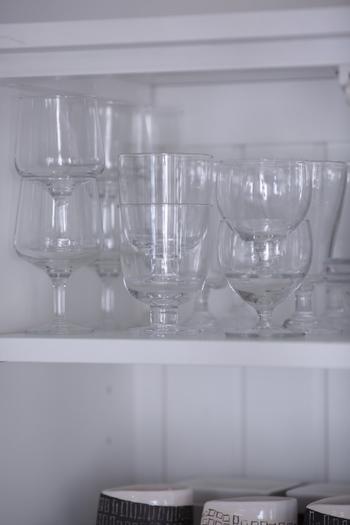 3列あるグラスの真ん中が「レンピ」。4個までならスタッキング可能なのもうれしい。