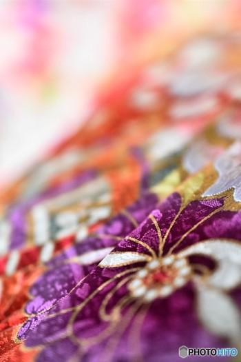 現代風の可愛い柄の着物も素敵ですが、より京都らしさを出したいなら、古典柄がおすすめです。大人っぽく仕上がりますよ。