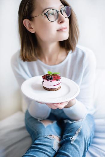 小さい頃の夢はケーキ屋さん!という女の子、多かったですね。色とりどりでキラキラ可愛いケーキは、大人になってもやっぱり胸がときめくもの。デコレーションを楽しんで、あなただけの特別なケーキを作ってみてくださいね♪