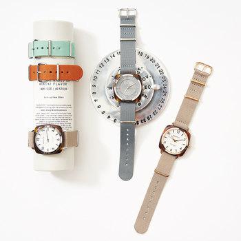 フランス発の時計ブランド『BRISTON(ブリストン)』の腕時計は「キャンバードスクエア」という四角いフォルムが印象的。男女共に似合うクラシックなデザインです。交換可能なベルトで、コーディネートや気分に合わせて印象を変えられるのも良いですね。