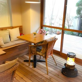 「きまんまテーブル」は、女性ひとりで訪れるお客さんも多い高円寺の隠れた名店。やさしい木の温もりを感じながら、バランスの良い定食がいただけます。