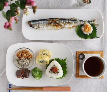 焼き魚やオードブルを盛り付けるのになにかと便利な「長皿」。盛り付けるだけで料理がオシャレに見える長皿があれば、毎日のお料理が楽しくなりそうですね。