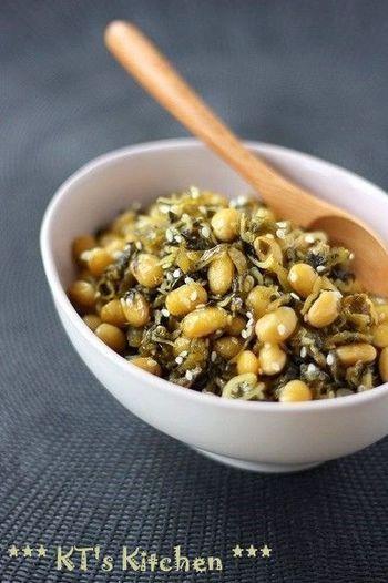 ちりめんじゃこと大豆に高菜と栄養バランスも良い美味しい常備菜です。このまま、ごはんに混ぜ込んで、混ぜご飯にしてもいいですね。