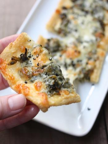 材料さえ揃っていればあっという間に出来上がってしまう油揚げを使ったピザです。お手軽なので、覚えておくと便利ですね。