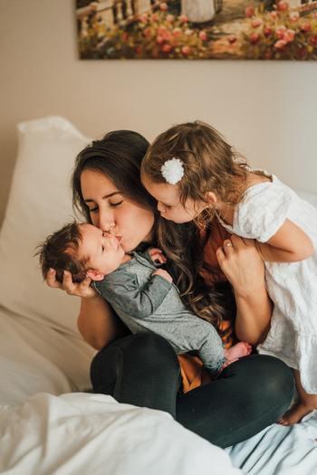 大切なのは、子どもと家族が幸せに過ごしているかどうかです。赤ちゃんが泣いていたら、家事の手を止め、全力であやしてみましょう。子どもの笑顔は何よりのパワーになります。