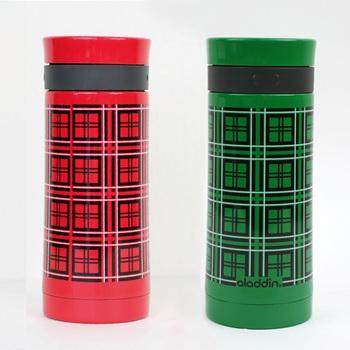 魔法瓶などのメーカーとして世界的に人気の「ALADDIN(アラジン)」社が手掛けた、チェック柄のタンブラーボトルです。元々水筒としてデザインされていたものを、タンブラーに復刻。レトロ感のあるデザインで、毎日持ち歩きたくなっちゃいますね♪