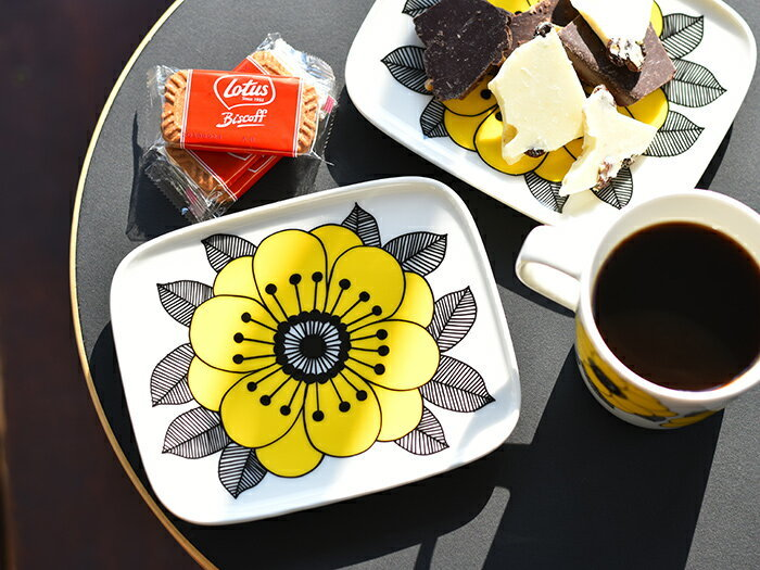 パッと明るい気持ちにさせてくれる、華やかなデザインの食器を並べるのも気分アップに繋がりますよ。