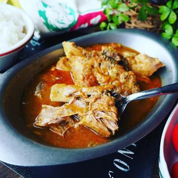 豚スペアリブを使った本格的なスープカレー。カレールーやケチャップ、ウスターソースなど、家庭にある調味料を使って作ることができ、お好みのスパイスでアレンジができます。