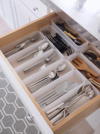 キッチンの引き出しの中などを整理するのに最適な、ポリプロピレン収納ケースも人気のアイテム。ブロガーさんたちの収納術にもよく登場します。  シリーズでモジュールを統一しているため、組み合わせてもぴたりと揃うようになっています。