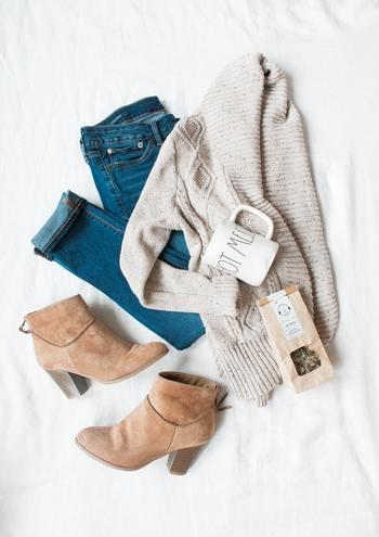 しかし、「たくさん着こむ」ということが、裏目にでてしまうことも。  ヒートテックのインナーを着て、シャツ、さらに厚地のニットセーターをオンして・・準備万端。「さあ、いざ外へ」と一歩踏み出して歩いているうちに、だんだん「暑い」ということもしばしば。  ほどよく体が温まるどころか、セーターの中で汗をかいてしまって、汗で体が冷えては逆効果ですよね。