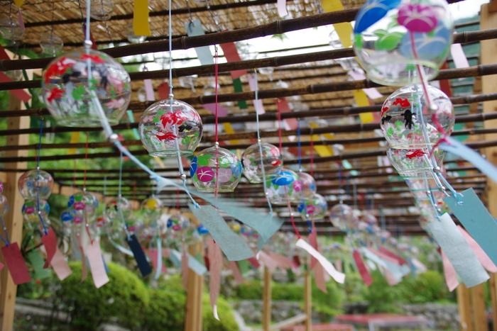 また夏になると、『風鈴祭り』が行われます。 お気に入りの浴衣を着て、風になびく色とりどりの風鈴を見に出かけてみませんか?