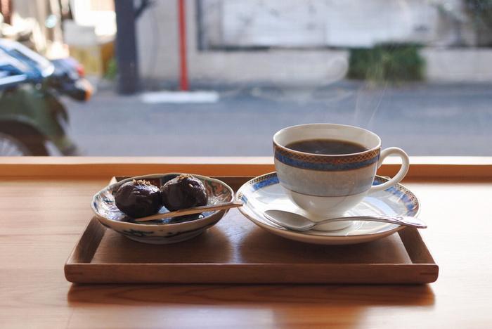 コーヒーのほかに喫茶メニューもあり、「あんころバター」や、パウンドケーキ、スコーン、マフィンなども楽しめます。テイクアウトできるものもありますので、コーヒー豆とあわせてチェックしてみてください♪