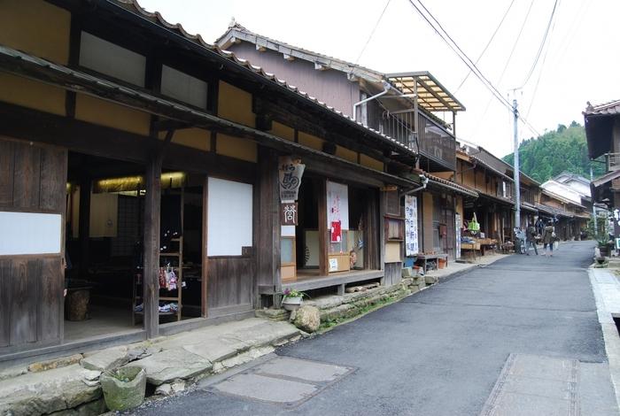江戸時代の武家屋敷が立ち並ぶ大森の街並みには、代官所跡(石見銀山資料館)のほか、雰囲気のある古民家カフェなども。