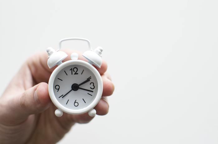 時をつくると考えられている時計は、邪気を帯びやすいトイレには置かないようにしましょう。トイレの悪い気が「時」についてしまいます。