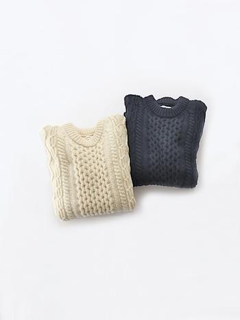コーデに取り入れるだけで、冬らしさをしっかりとアピールできるケーブルニット。ぜひどこかに一点プラスして、いつものシンプルコーデを季節感たっぷりな着こなしに格上げしてみてくださいね♪
