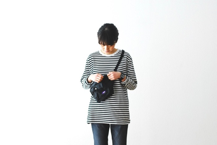 小ぶりで持ち歩きやすいウエストバッグは、斜めがけや手に持つスタイリングなど、ウエスト使い以外にも応用力抜群のアイテムです。 アクティブに動きたい日や、コーディネートをスッキリ見せたい日など……使いやすくておしゃれなウエストバッグを、ぜひ毎日のコーディネートに取り入れてみてくださいね♪