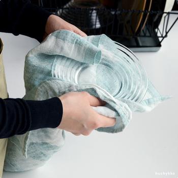 お気に入りのタオルで家事をすれば、気持ちも明るくなりそうです。色違いで揃えたくなりますね。