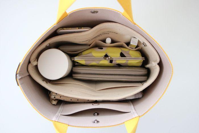 鞄の中をきちんとチェックすることで、鞄についた汚れを発見することもできます。いつでも万全の体制で使える鞄にすることで、暮らしの作業効率もアップしますよ。