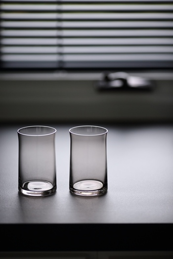 毎日使っているとグラス。ちゃんと洗っていても、だんだんとくもってきてしまうんですよね。クエン酸や重曹を使うとすっきりくもりが取れますよ。