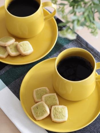 お気に入りの茶器を使うと、ティータイムの満足感もぐっと高まります。添えるお菓子も丁寧に選びたくなりますよ。