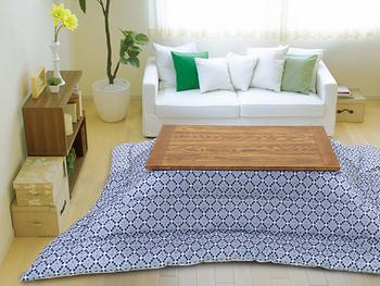 こたつ布団は大きくて目立つため、お部屋の印象を左右します。  インテリアに合った色柄、テイストを決めてから選ぶようにしましょう。