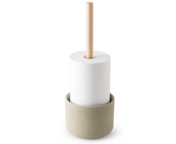 トイレットペーパーのストックは十分にしておきたいですね。取り替えやすいようにセットしておきましょう。