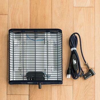○石英管ヒーター 温まるまで少し時間を要しますが、遠赤外線効果でじっくりと温めてくれ、リーズナブルです。  ○ハロゲンヒーター 石英管と不活性ガスを組み合わせたもの。近赤外線で、石英管ヒーターより早く温まります。  ○カーボンヒーター 発熱体に「炭素繊維」が使われている。遠赤外線の効果によって、体の内側から温めてくれます。  ○フラットヒーター 電熱線により温めます。石英管ヒーターなどと比べるとややパワーは弱め。ヒーターそのものは大きめですが、薄くて音や臭いも気になりません。