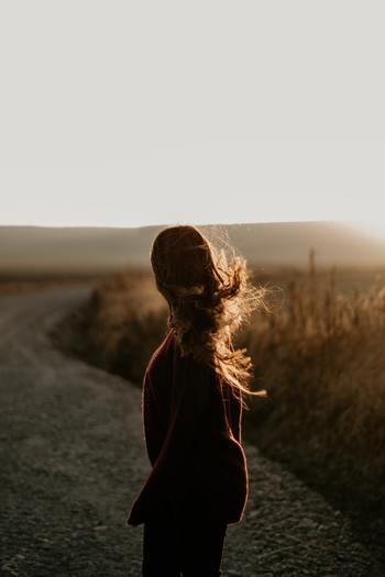 今はどんなに変えたいと思うような自分であっても、それまでに一生懸命歩いてきた過程があるはずです。まずは、今までの私をしっかり認めましょう。それから自分の気持ちを整理し、新しい私になりたいと思った理由を明確にしていきます。