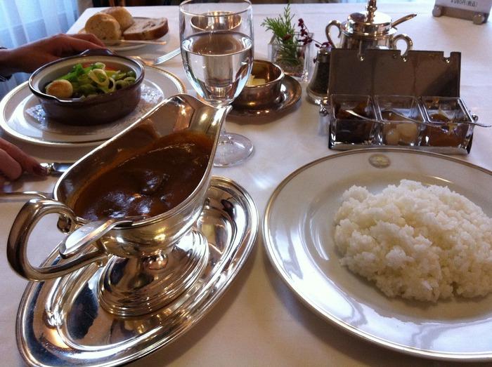 こちらでいただきたいのは、100年以上の歴史があるといわれている「カレー」。まろやかで優しいお味は富士屋ホテルならではの品のよさ。ビーフカレーがおすすめです。