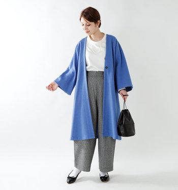 """暗色が多くなる冬のファッション。パッと明るくしたいなら、鮮やかな""""カラーアウター""""の出番です。  人気のブランドからお目見えした色とりどりのアウターたち。この機会にぜひチェックして。"""