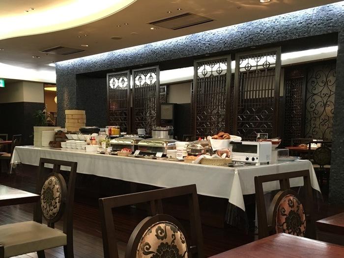 「中華と言えば朝粥!」という方は、中華街のすぐそばに立つホテルJALシティ長崎に泊まって、ホテル内の中華料理店で朝食はいかが。中華がゆを含む朝食ブッフェを行っており、趣向を凝らしたメニューがバイキング形式でいただけます。