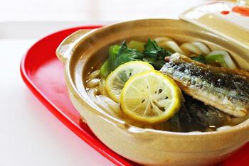 さんまをトッピングした栄養バランスのよい一品。 お魚をさっぱりと頂きたいときにおすすめです。