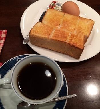 朝、優雅な時間を過ごしたい方には、モーニングの利用がおすすめ◎。トーストとゆで卵、ジャムがついた、昔の喫茶店を彷彿とさせるモーニングセットを提供していますよ。