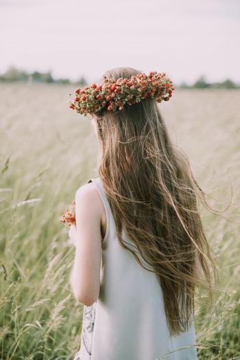 親に認めてもらえなかったり、成功体験が乏しかったり、そんな過去を理由に「自信がない」と言うのはもうやめませんか。過去は通過点であり、これからの人生の舵は自分自身でいかようにもとれるのです。「わたしはわたしのままでいい」と認め幸せになる道と、いつまでも「自信がない」と後ろ向きの人生、どちらを選びますか?
