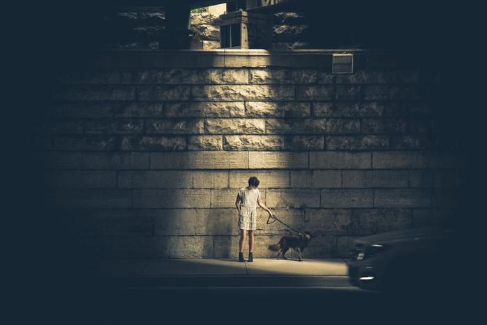 しかし、夜散歩は人がほとんどいないため、他人の視線を気にせずにマイペースでいられるのです。そんなひとときは、あなたの心の拠り所になり、癒しになります。