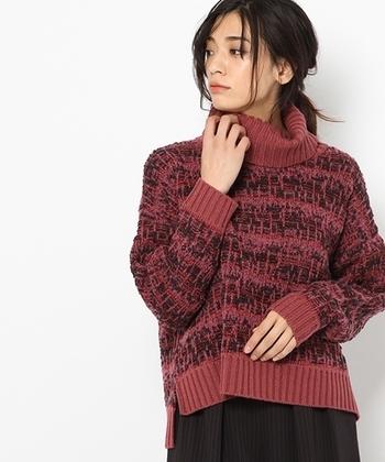 """1932年に寒河江市で創業した「佐藤繊維」は、アウトドアブランドのTHE NORTH FACE(ザ・ノースフェイス)と共同開発を行った3D無縫製ニット""""グローブフィット""""でも注目を集めた繊維会社です。"""