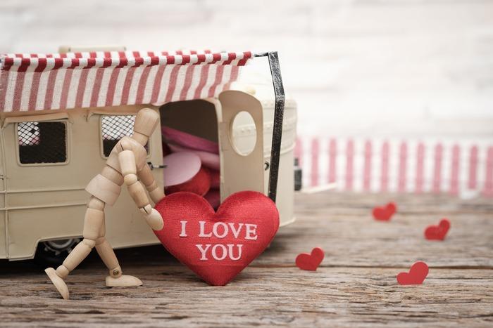 いかがだったでしょうか?最近ではバレンタインデーも本命だけではなくお仕事関係や友達など幅広く贈り合う形になってきましたよね。贈る方が喜ぶ顔を思い浮かべて色々作戦を練ってみてくださいね!