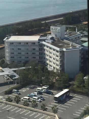 ガーデンホテルオリーブは遊園地や湯あみの島、アウトレットモール「ジャズドリーム長島」にも近く、なばなの里までは車でわずか10分の距離にある利便性に富んだホテルです。お値段もお手頃で、気軽に宿泊することができるホテルです。