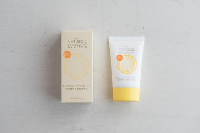 化粧下地として1年中使えるUVクリーム。合成界面活性剤や紫外線吸収剤などの使用は一切なく、ベトつきもなし。毎日使うなら、肌に負担をかけないこうした優しい日焼け止めを選んでみて。