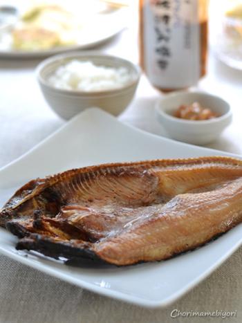 「魚の干物」の魅力とともに、料理初心者さんでもわかりやすいおいしい干物の焼き方、干物のアレンジレシピなどをご紹介します。  実はポテンシャルが高い「魚の干物」の美味しさを、とことん堪能してくださいね。