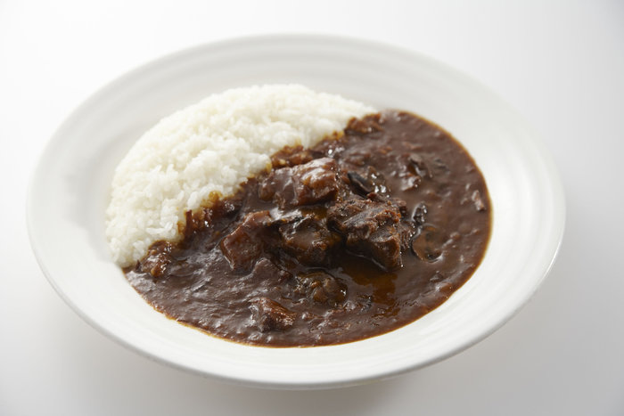 銀座に本店のあるフレンチレストラン、ドンピエールの人気メニューであるカレーを提供しているお店です。高級レストランの味が、気軽に味わえます。