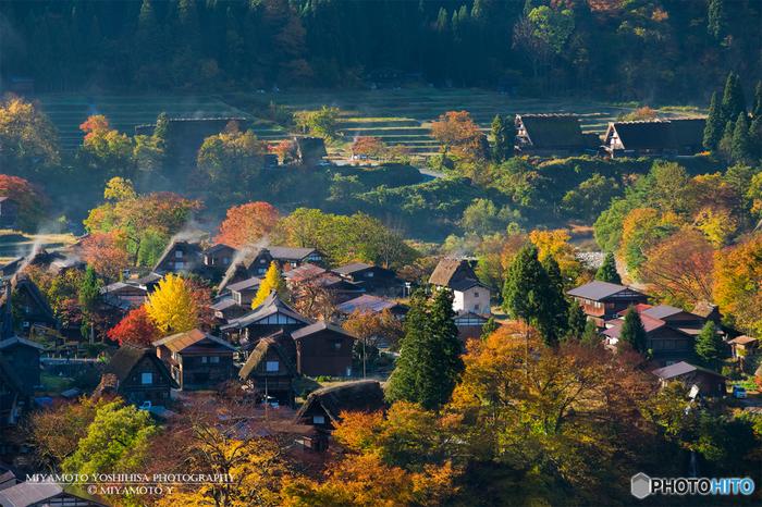 岐阜県の北部に位置する飛騨・高山エリア。世界遺産の白川郷や江戸の面影を残す古い町並みをはじめ、温泉、飛騨牛に代表されるご当地グルメなど、魅力が詰まった岐阜の定番観光地です。