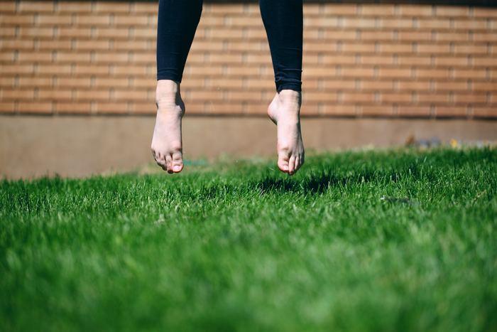 太ももが気になるという方におすすめしたいのが、レッグスパッツです。履くだけで、太ももに引き締め効果があると言われています。