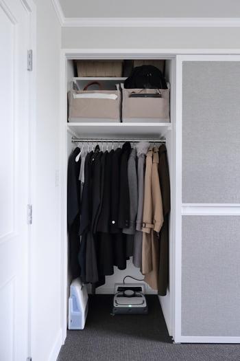 かさばる「コート」の置き場所どうしてる?《オン・オフシーズン》の賢い収納方法